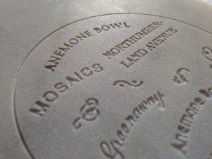 Incisioni scritture in corsivo su marmo